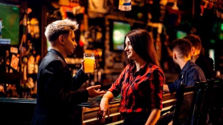 Come rimorchiare un uomo al pub